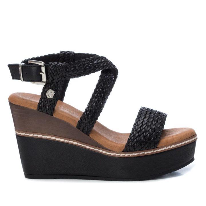Sandalia de mujer negra